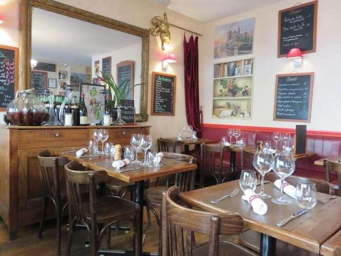 Il ristorante Le Petit Pontoise nel quartiere Latino