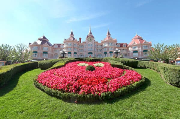 Camere Disneyland Hotel : Disneyland hotel new york parigi consigli camere ristoranti e