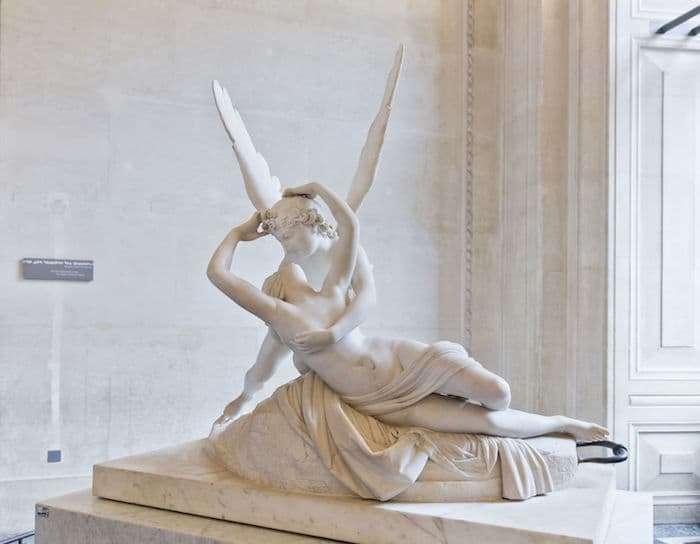 Il Bacio tra Amore e Psiche di Canova, al museo del Louvre