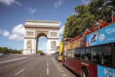 Tou in autobus turistico hop-on hop-off
